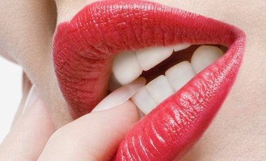 Teeth Whitening at Home: Lip Colors That Brighten Your Teeth