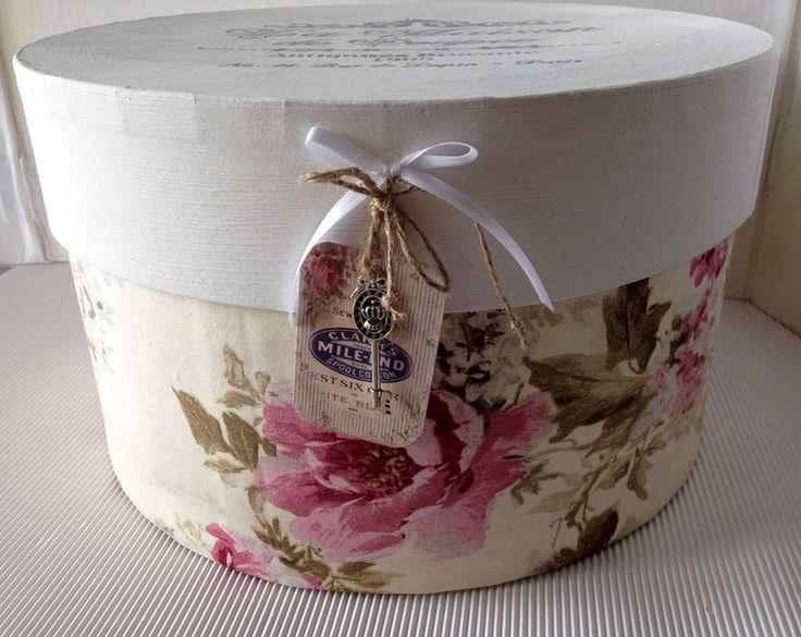 Deko-Objekte - Hutschachtel XL beige-weiss-rosa Shabby - ein Designerstück von gittirai bei DaWanda