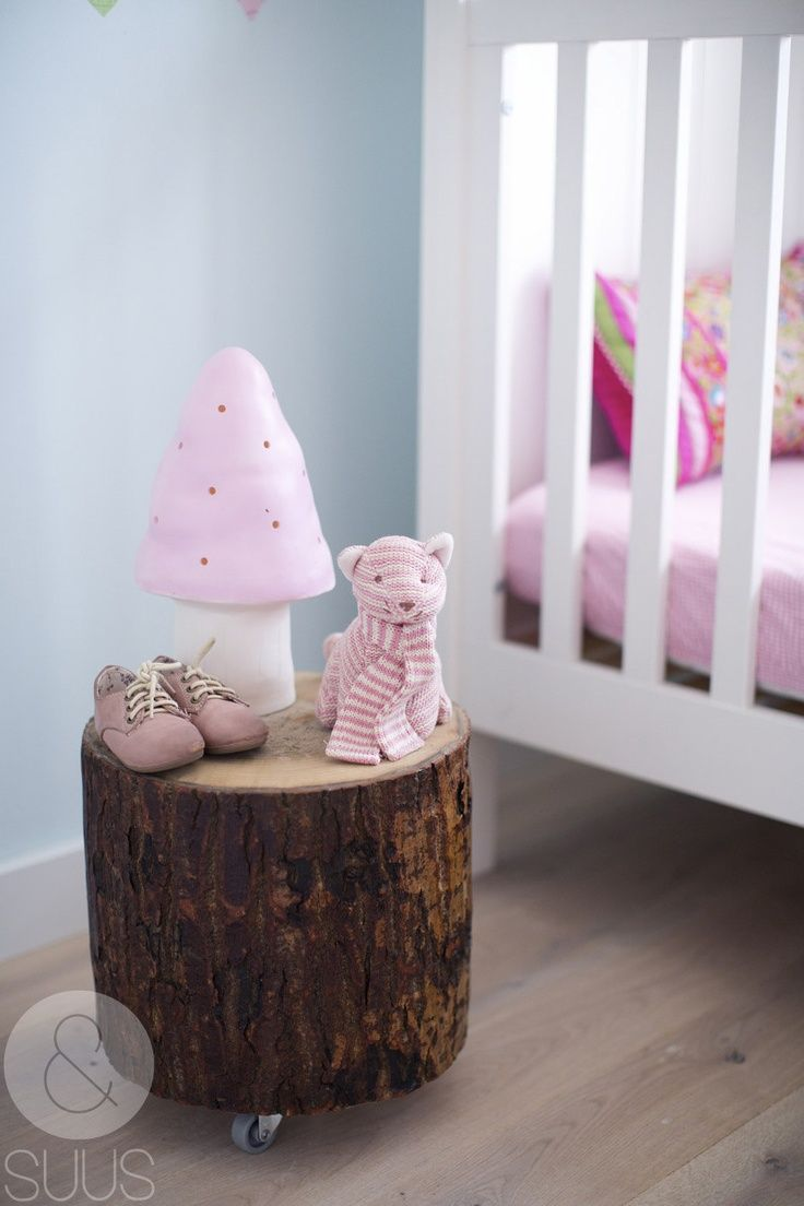 DIY IDEAS FOR GIRLS - Tree trunk table with wheels