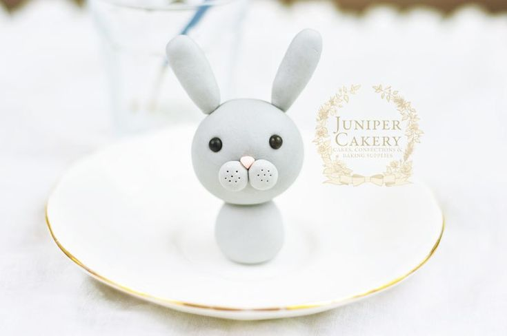 Fondant bunny rabbit tutorial by Juniper Cakery