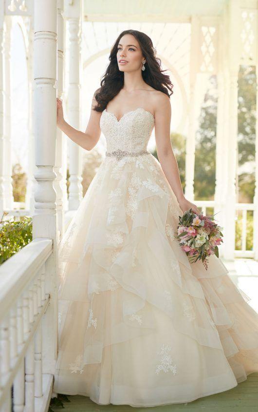 Strapless A-line wedding dress with sweetheart bodice by Martina Liana Wedding Dresses