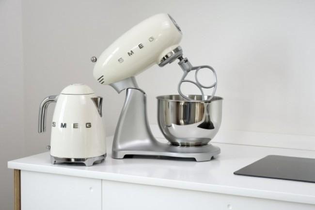 Lo de los pequeños electrodomésticos de 'Smeg 50s Style' es amor a primera vista
