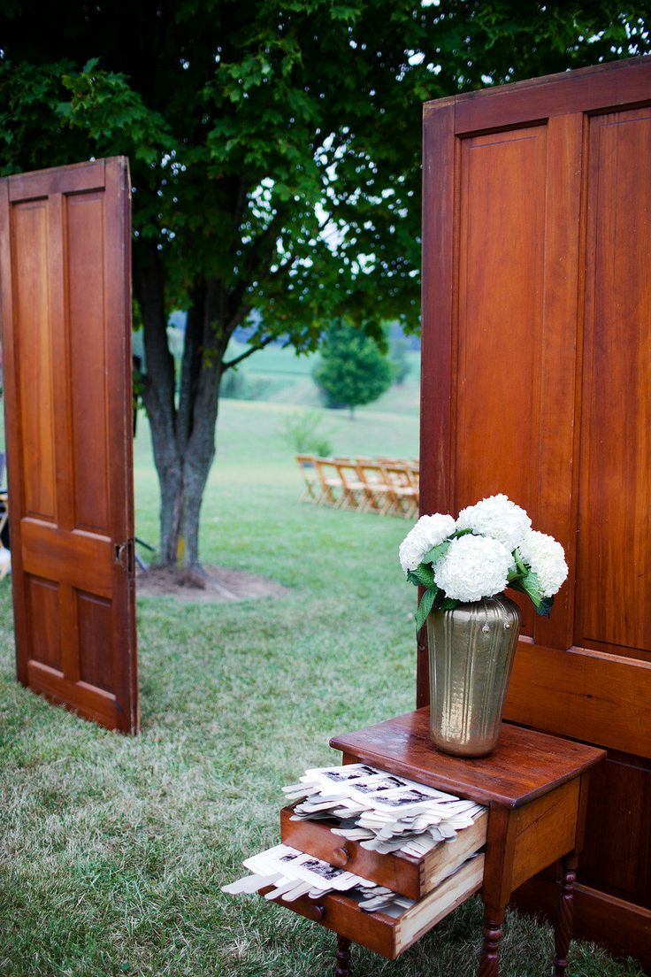 "These two doors served as the outdoor ""entryway"" - Great idea for"