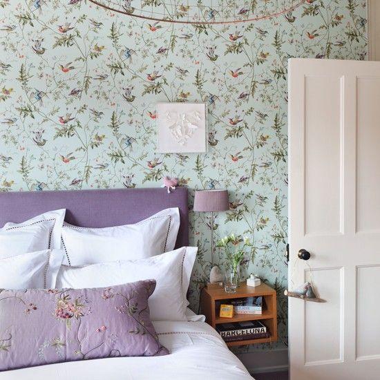 pretty bedroom styling / wallpaper