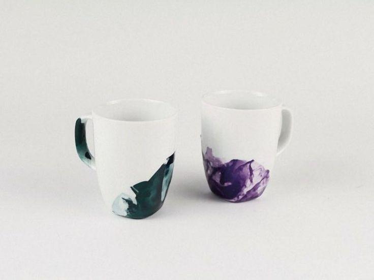 DIY tutorial: Marble Effect Mugs With Nail Varnish via en.DaWanda.com