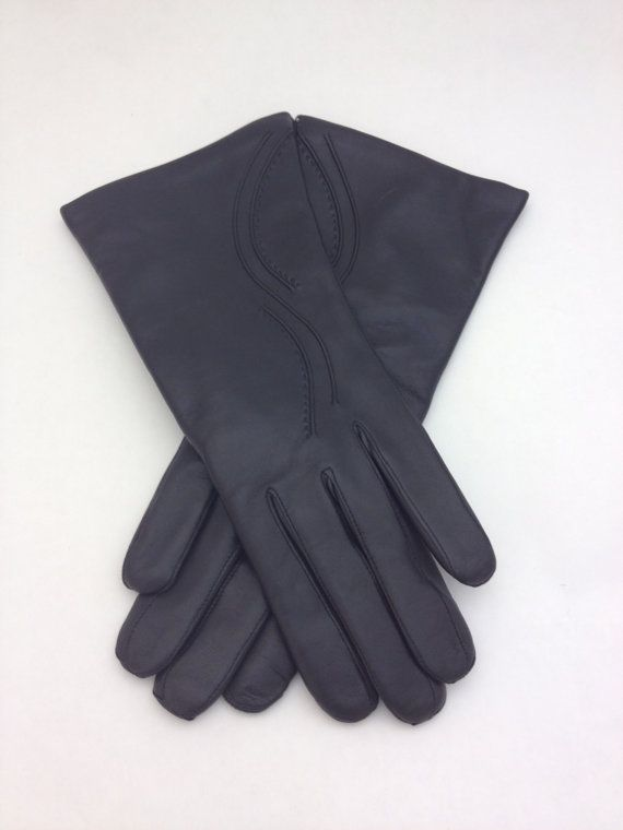 Genuine black leather gloves for women. by BeFur on Etsy, €34.50