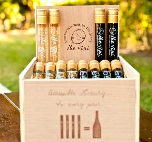 The Vini – World's First Wine-by-the-Glass Bottle on http://wanderlustandlipstick.com/blogs/wanderlushdiary