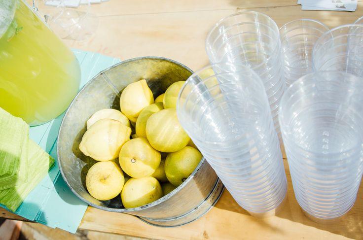 Rincón de limonada// Corner lemonade. Foto: Estudionce Organización: Señor y señora de #bodassrysrade www.señoryseñorade.com