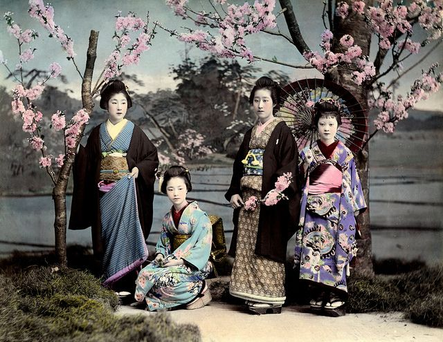 Ponta and O-Yen with two Hangyoku 1890s