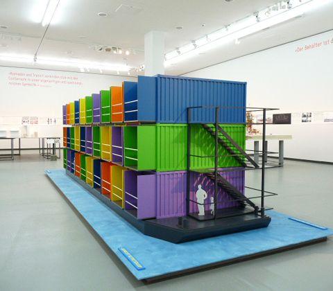 "sculp(it) architects ""studenthousingship"" 2005, Belgie, Foto: Katalog NRW-Forum Düsseldorf - The hamburger of architecture - News & Stories at STYLEPARK"