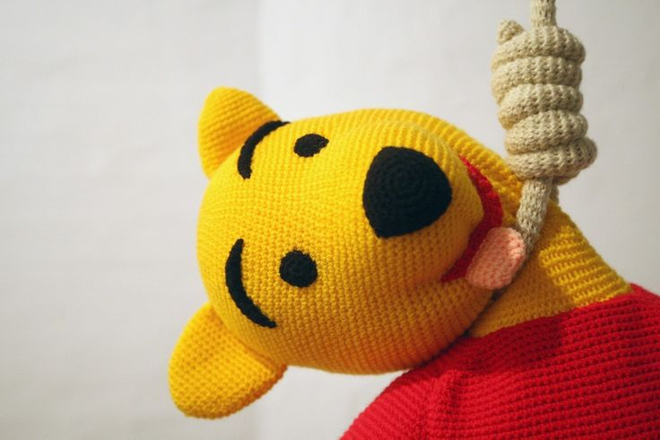"""The knitted sculpture """"Winnie Pooh"""" by Patricia Waller1"""