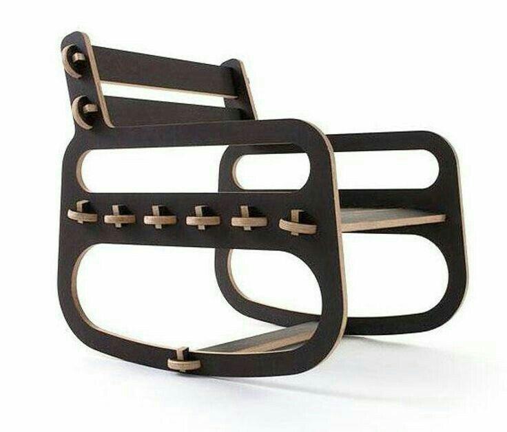 Cadeira- madeira e couro