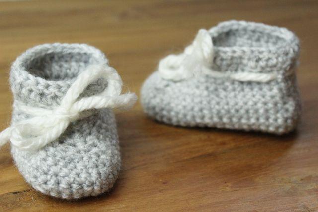 Weet je nog niet of het een jongen of meisje wordt? Gebruik dan zacht grijze en witte garen. Ontzettend hip en uiteraard super schattig!