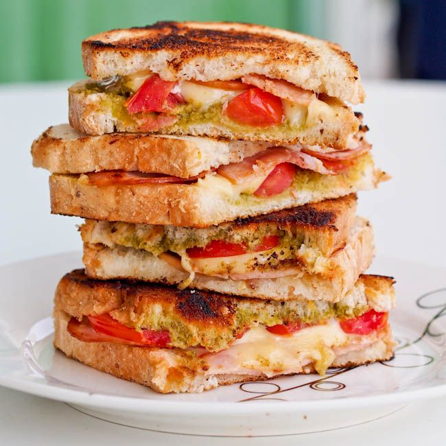 #Turkey #Pesto #sandwich panini - A simple sandwich full of flavors and heated up to make all the flavors blend together and the cheese ooze out. A delicious lunch or quick dinner.