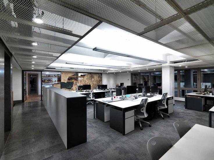 Erginoğlu& Çalışlar Ofisi aydınlatma tasarımı Lumina Aydınlatma tarafından yapıldı. Kullanılan ürünler; Deltalight / Regent / Carpyen