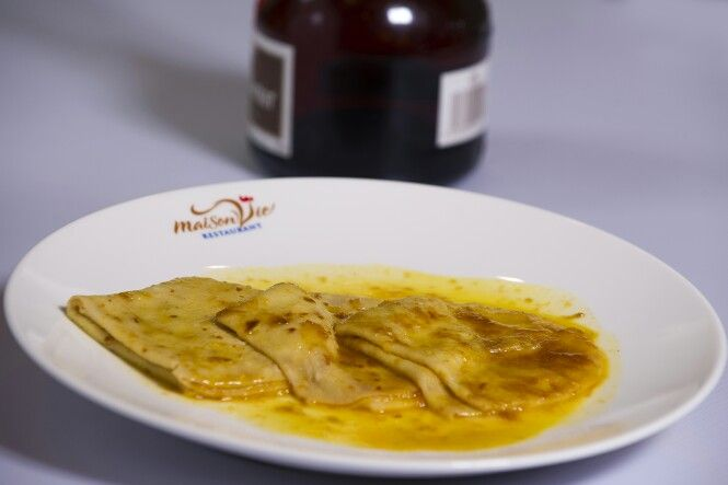 Crêpes Suzette flambées - Crepe Suzette flambéed Grand Marnier by #MaisonViehanoi Restaurant ♡♥♡♥