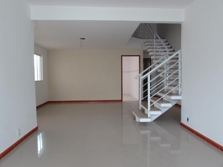 Casa com 3 Quartos para Alugar, 170 m² por R$ 2.000/Mês Granja dos Cavaleiros, Macaé, RJ, Foto 22