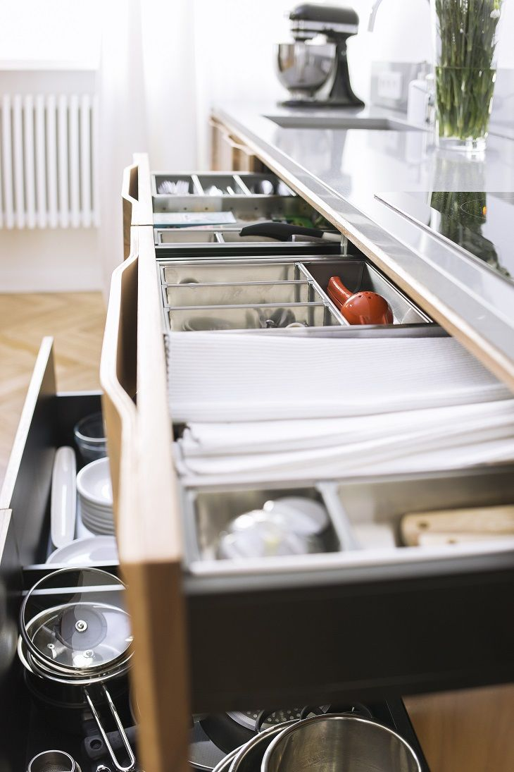 """Dobra organizacja w kuchni to podstawa! New Mono Design - Kuchnia """"Gropius"""", połączenie stylu Art Deco z funkcjonalnością nowoczesnej zabudowy kuchennej #interior #design #kitchen"""
