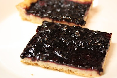A classic Finnish blueberry pie.