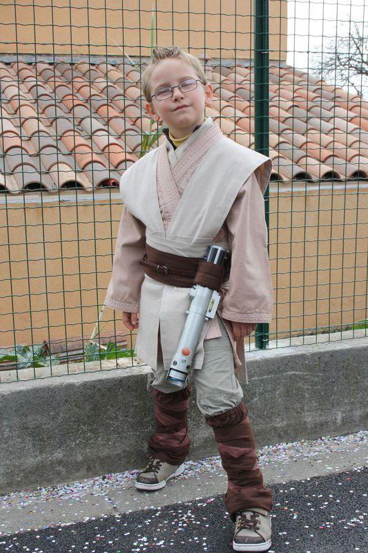 Monneveucette année voulait sedéguiseren Maître Jedi, alors Tatie c'est mise en 4 pour...