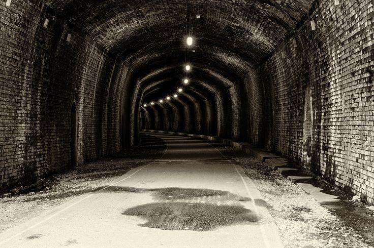 https://flic.kr/p/VvJdy1 | Monsal Head Tunnel | Former Bakewell to Buxton railway tunnel under the Monsal Head , now a cycle path