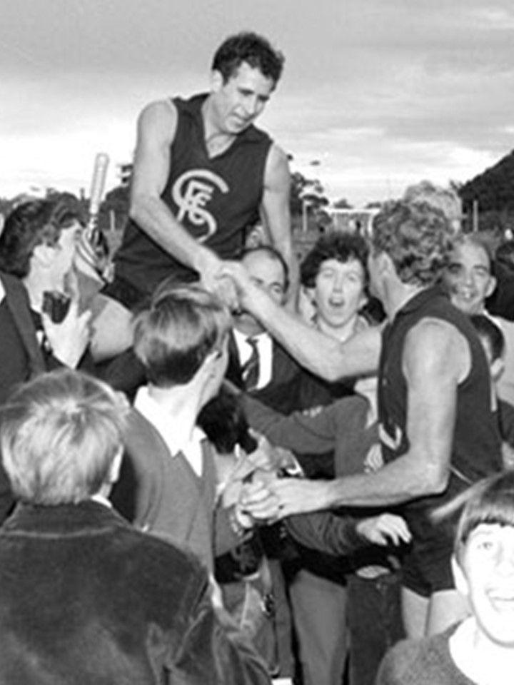 Austin Robertson - 1962-74 - Subiaco (251 games), South Melbourne (18 games) -Sub best & fairest 1965, 1968; WAFL leading goalkicker 1962, 1964, 1965, 1968-72; Sub leading goalkicker 1962-65, 1967-74; SM leading goalkicker 1966; Sub premiership 1973; Sub Legend; Sub Team of the Century; WA Football Hall of Fame; State representative (WA 10 games, 44 goals)