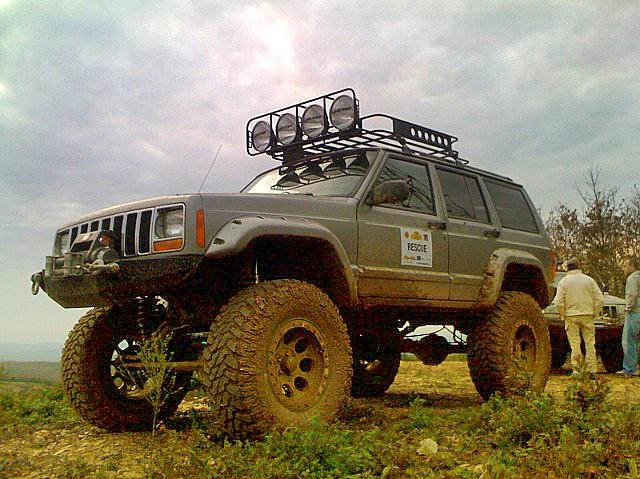 Jeep Cherokee (XJ)...the next Maxbilt project? :) I think so!