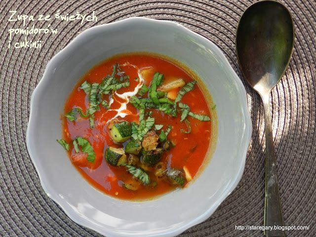 Stare Gary Zupa ze świeżych pomidorów i cukinii