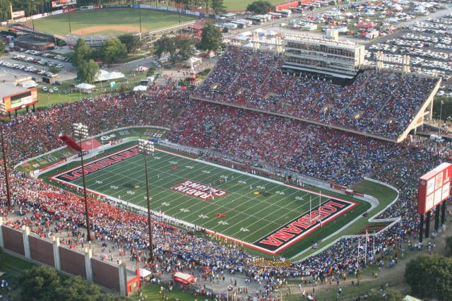 Cajun Field is a stadium located in the city of Lafayette, Louisiana. Nicknamed The Swamp, it is the home field of the Louisiana's Ragin' Cajuns. Cajun Field boasts 2,577 chairback seats and bleacher seating to the capacity of another 28,423, giving the stadium an official seating capacity of 31,000. 201 Reinhardt Dr, Lafayette, Louisiana 70506
