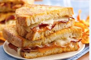 Final Four Food: Beer-Battered Grilled Cheese Sandwich: Beer Batter, Fun Recipe, Batter Grilled, Food, Grilled Cheese Sandwiches, Beerbatt Grilled, Sandwiches Recipe, Grilled Chee Sandwiches, Grilled Cheeses