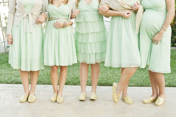 Bridesmaids in mint green with toms - love everything about this photo!!!