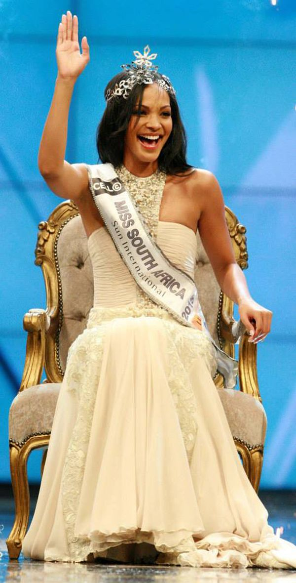 """""""I would love to visit India"""" - #LieslLaurie, Miss South Africa 2015."""