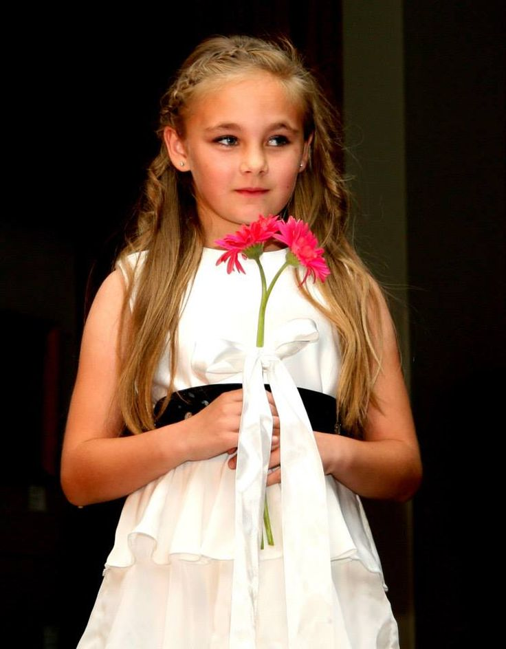 Flowergirl Dress - Azel Model Nadia - Designer