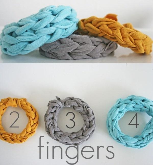 V and Co: How to ~ Jersey Knit Bracelet... I am going to make this for my little sister's birthday that's coming up. She will love it! (and so do I)