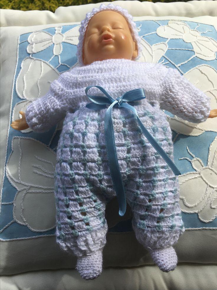 Vestido para muñeco en crochet