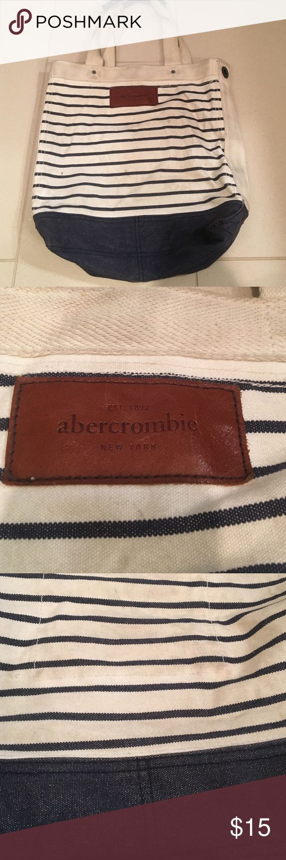 Abercrombie Tote Bag Well used tote bag, large enough to fit a laptop. Great for beach trips! Abercrombie & Fitch Bags Totes