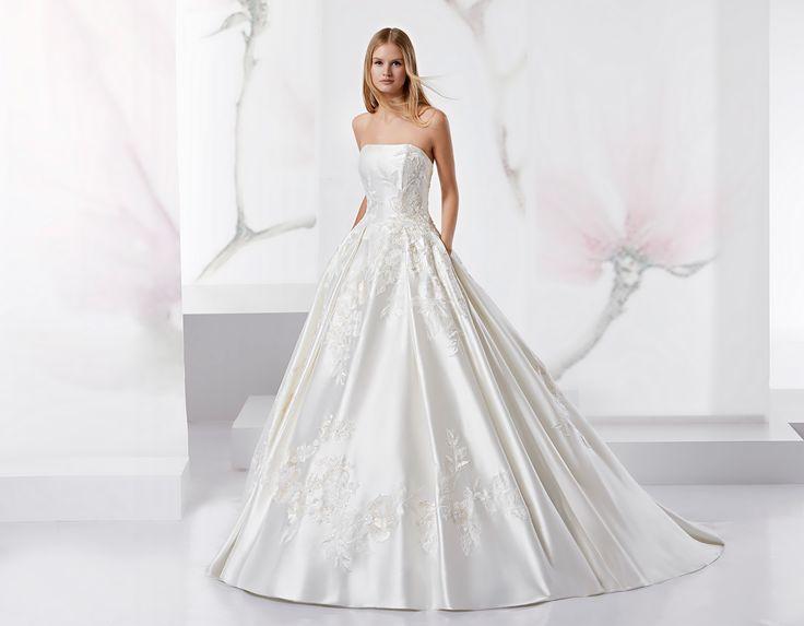 Fabulous slim dress beaded rebrode lace