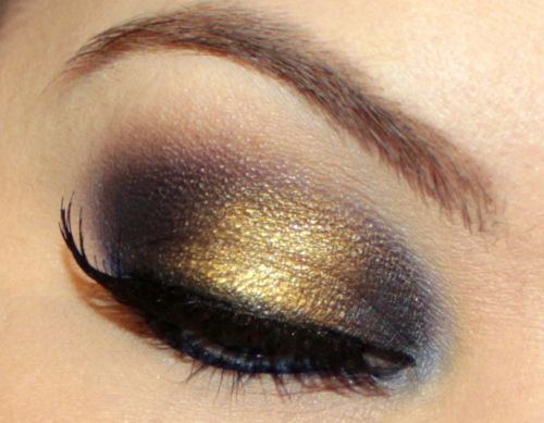 "beautylish:    Check out how to get this punk-rock Cinderella or ""Sinderella"" eye look from Beautylish Beauty Cora A.!"