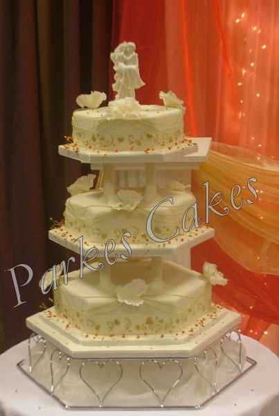 hexagon wedding cake servings 17 best ideas about wedding cake on 15218
