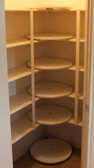 Lazy susan shelf corners