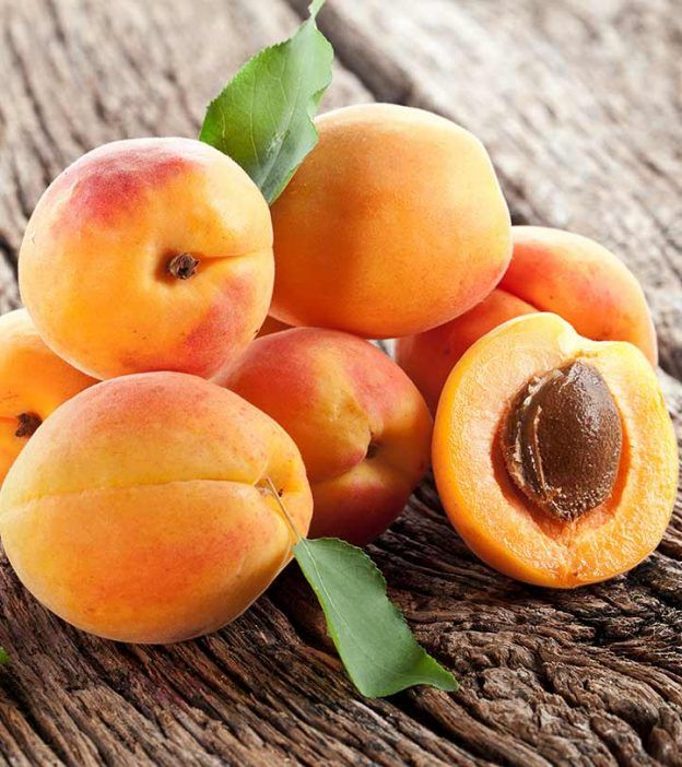 29 Amazing Benefits Of Apricots (Khubani) For Skin, Hair & Health