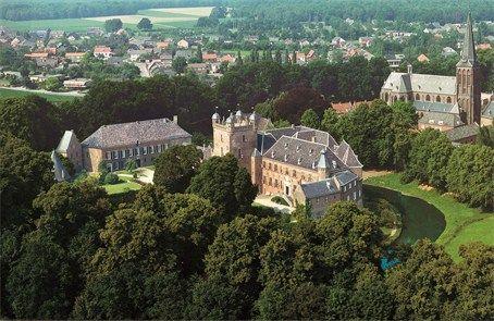 Kasteel Huis Bergh - Top Trouwlocaties - 's-Heerenberg, Gelderland #trouwlocatie #trouwen #feestlocatie
