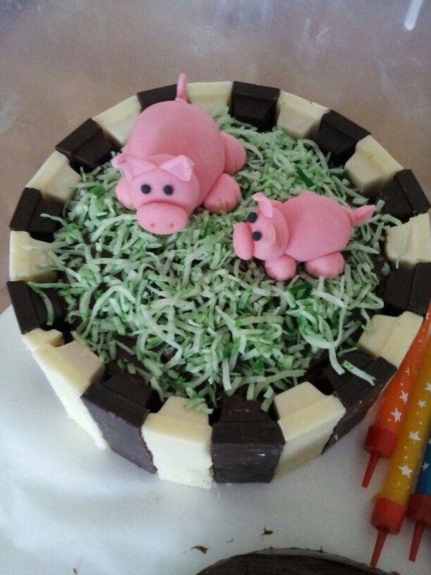 Pigs cake