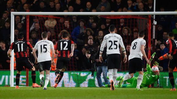 Everton Pair Heap Praise on 'New No.1' Joel Robles