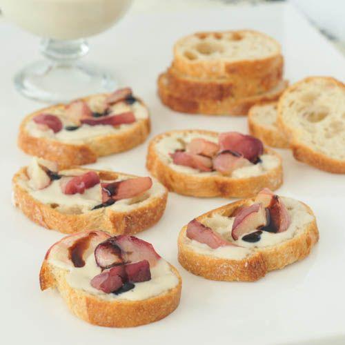 Sweet Cream Roasted Peach Bruschetta from Spabettie