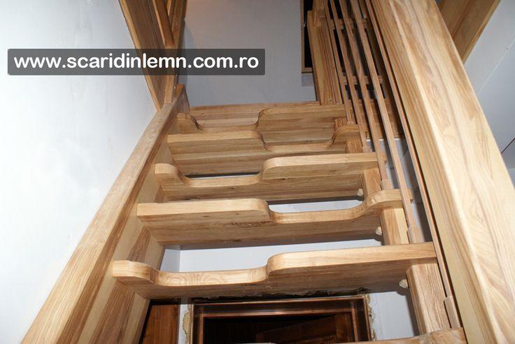 scara interioara din lemn masiv pret cu vang si trepte economice cu pas combinat