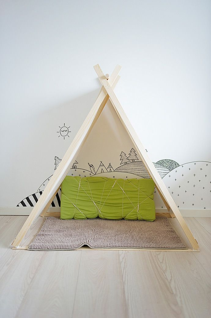 Playful kid's room mural by Rikke Wehner