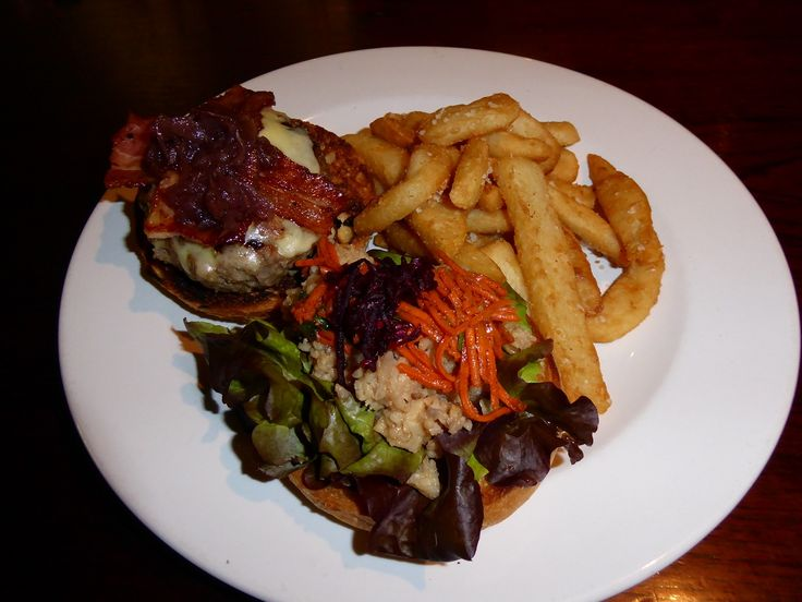 Whet Restaurant at Cape Tribulation serves up the best burgers.  #whet#burger