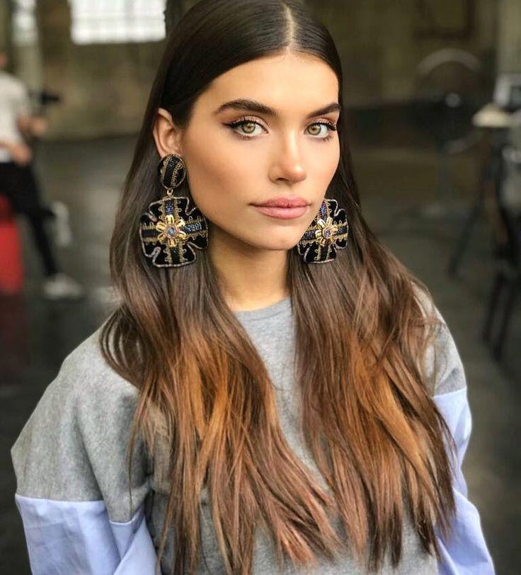 Eva de Dominici con delineado de ojos impecable by Fabiana Pereyra para Frúmboli Estudio en el backstage de la campaña de invierno 2018 de Anca & Co.