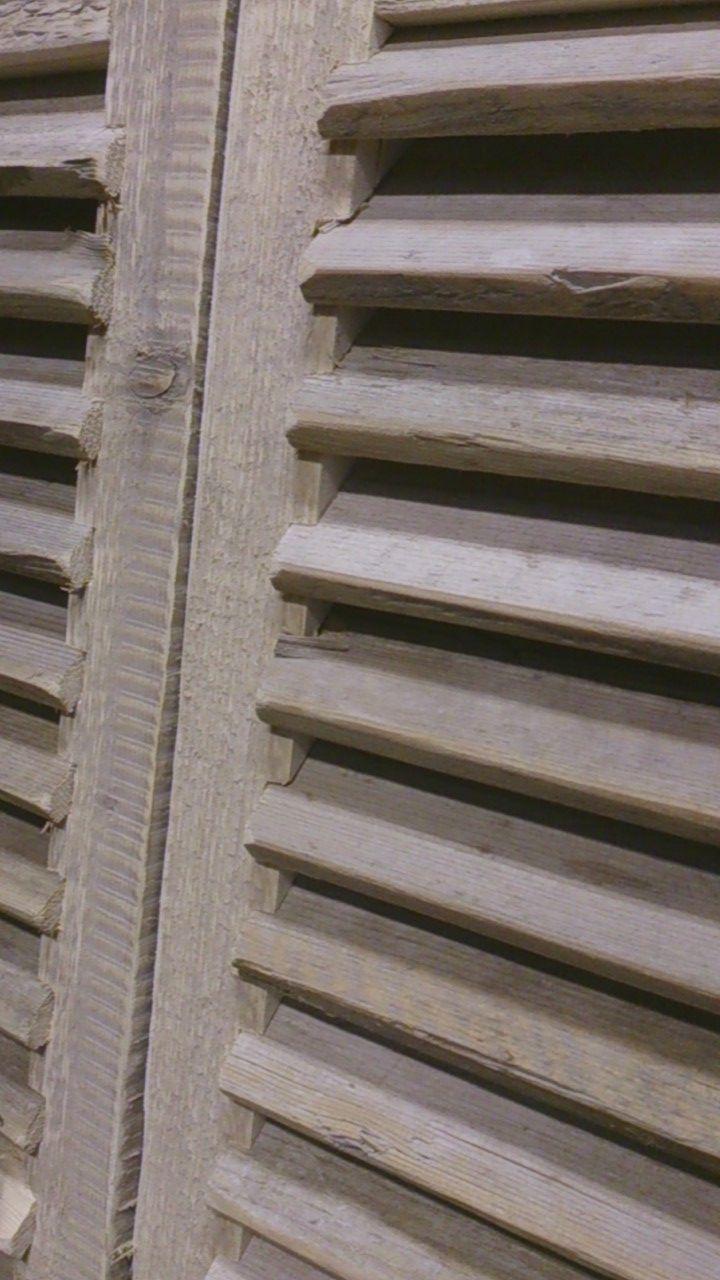 steigerhouten louvres als deur div systemen room devider raamluik raamscherm info. Black Bedroom Furniture Sets. Home Design Ideas